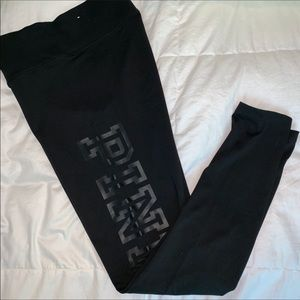 NWOT Victoria's Secret PINK black logo leggings